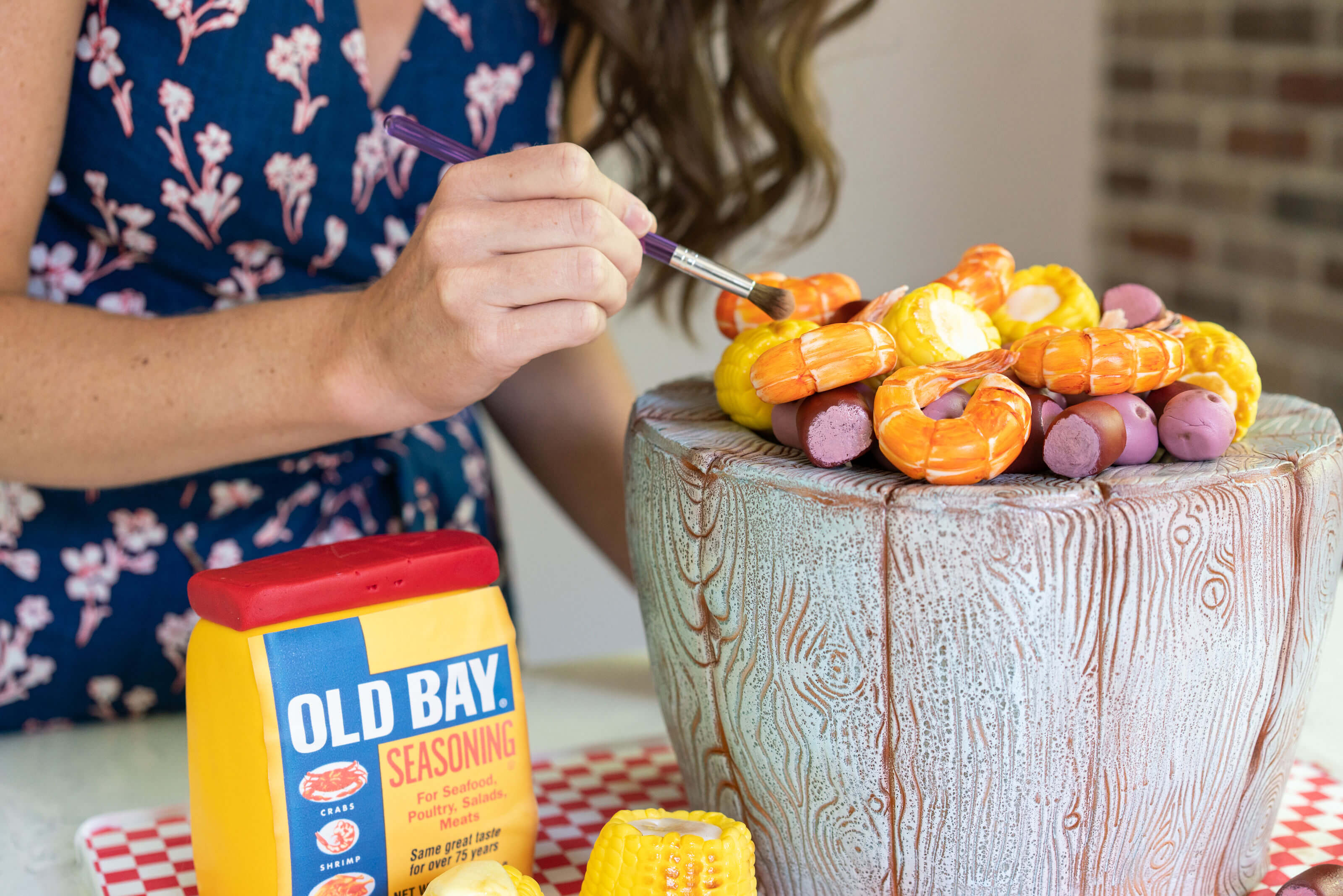 Making a lowcountry boil cake