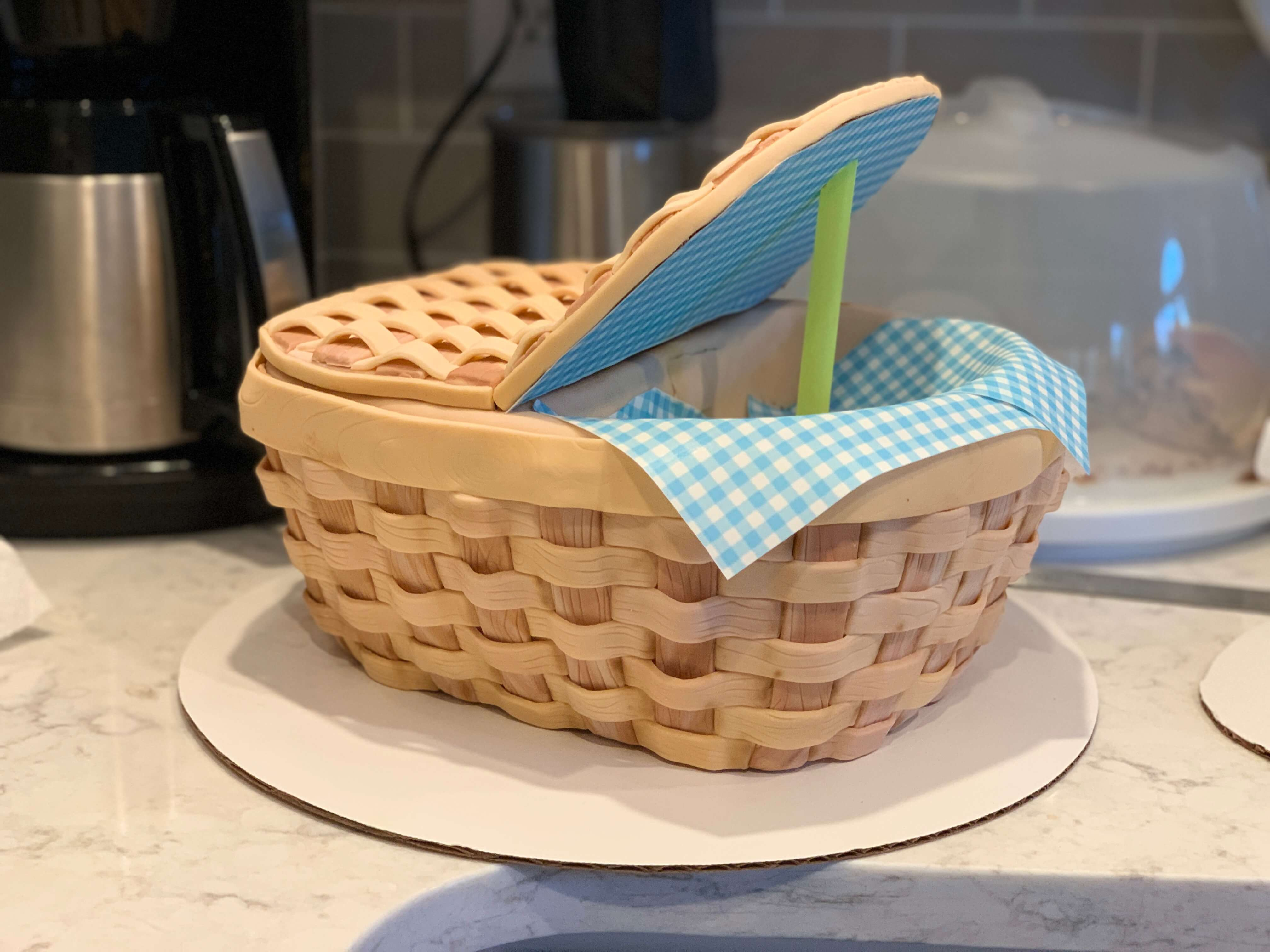 Making the Basket Cake - Lid Assembly